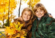 两个孩子画象  免版税库存图片