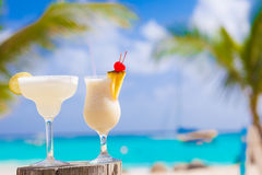 两个完善的鸡尾酒pina colada和玛格丽塔酒 库存图片