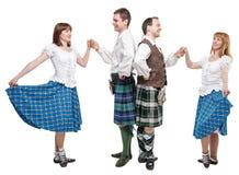 两个对苏格兰人舞蹈的舞蹈家 免版税库存图片
