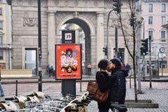 两个恋人在米兰 免版税库存图片
