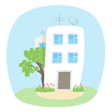 两个房子和一棵树在夏天 免版税图库摄影