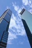 两个摩天大楼在上海,中国中心商务区  免版税库存图片