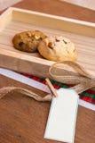 两个曲奇饼和标记(copyspace) 库存图片