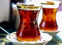 两个杯子土耳其茶 库存照片