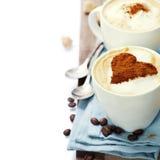 两个杯子热奶咖啡 图库摄影