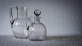 两个清楚的玻璃投手 库存图片