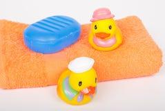 两个玩具橡胶鸭子 图库摄影