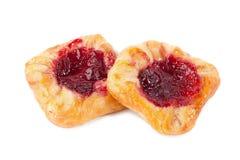 两个甜小圆面包用被隔绝的果酱 库存图片