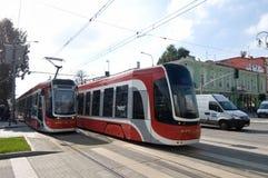 两个电车PESA转弯在CzÄ™stochowa 图库摄影