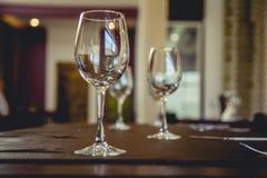 两个空的杯子酒 图库摄影