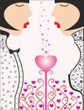 两个美丽的女孩桃红色heart.love 免版税库存图片