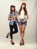 两个美好的女孩模型 免版税库存图片