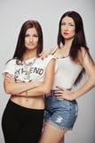 两个美好的女孩模型 库存照片