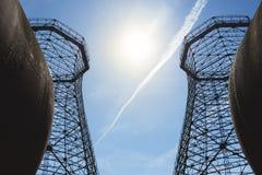 两个老工业冷却塔 免版税库存照片