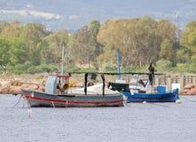 两个老渔船 库存图片