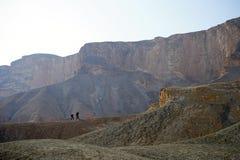 两个背包徒步旅行者 免版税库存图片