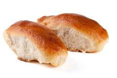 两个自创饼用在白色背景的圆白菜 库存照片