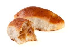 两个自创饼用在白色背景隔绝的圆白菜 免版税图库摄影