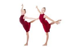 两个舞蹈家十几岁的女孩 库存照片