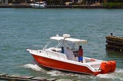 两个船外引擎供给动力的渔船 免版税库存照片