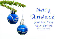 两个蓝色圣诞节球特写镜头  图库摄影