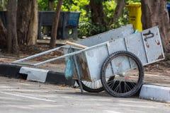 两个轮子推车 免版税库存图片