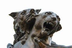 两个野生作战的动物雕象  免版税图库摄影