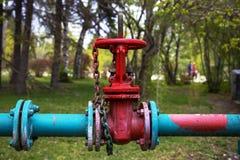 两个金属管子的连接 免版税库存图片