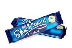 两个雀巢蓝色丝带饼干 库存图片