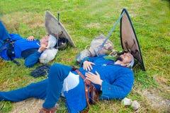两个骑士睡着在争斗前 免版税库存图片