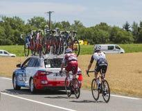 两个骑自行车者-环法自行车赛2017年 免版税库存图片