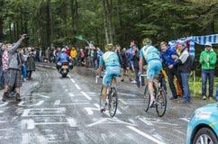 两个骑自行车者-环法自行车赛2014年 免版税库存照片