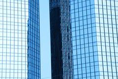 两个高玻璃大厦 库存图片