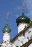 两个绿色教会圆屋顶 库存照片