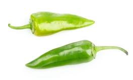 两个绿色豆科的辣椒 库存图片