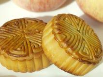 两中国人月饼 库存图片