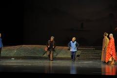 两位老人江西歌剧杆秤 库存图片