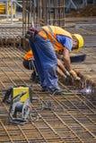两位铁工在工作 库存图片