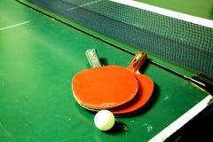 两副乒乓球球拍 库存图片