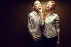 两华美的红发时尚感情画象孪生 免版税库存图片