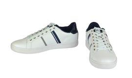两双白色运动鞋 免版税图库摄影