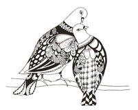 两只鸟坐树枝, zentangle被传统化的pigeo 免版税库存照片