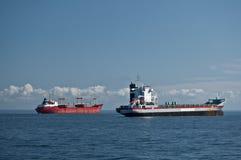 两只货船外部圣彼得堡 免版税图库摄影