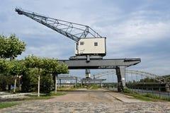 两台老港口起重机 库存照片