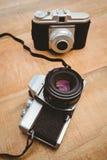 两台老照相机看法  库存照片