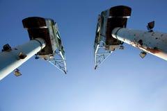 两台老起重机在曼联足球俱乐部王国港口  免版税库存图片