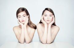 两名妇女裸体画象  免版税库存图片