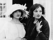 两名妇女画象(所有人被描述不更长生存,并且庄园不存在 供应商保单将没有 免版税库存照片