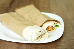 两在板材的沙拉三明治 免版税库存图片