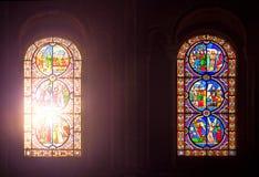 两块彩色玻璃Windows 免版税库存照片